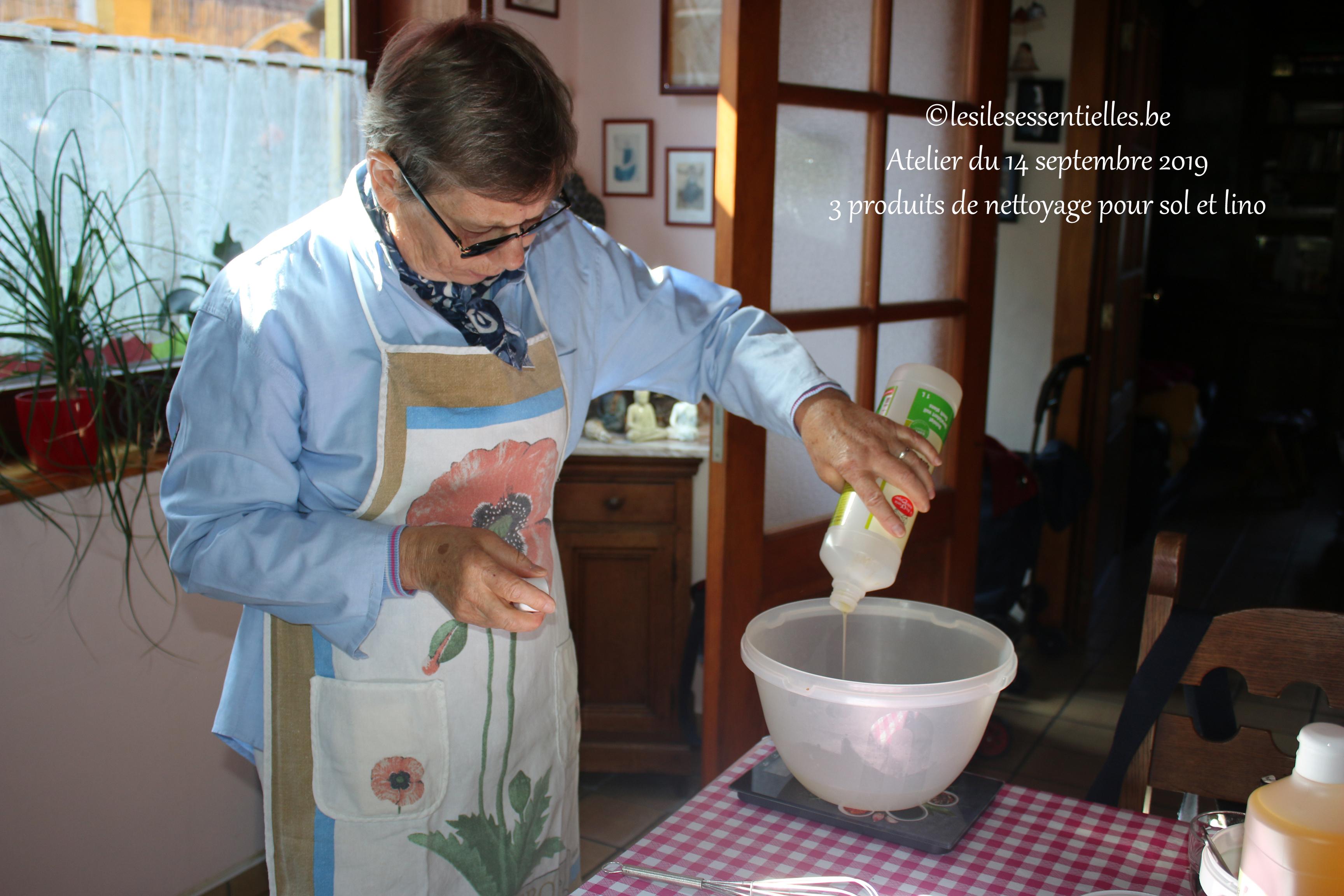 3 produits de nettoyage pour sol et lino